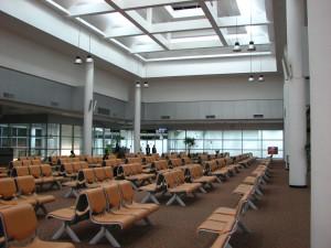 Terminal de départ pour les vols internationaux à l'aéroport de Chiang Mai
