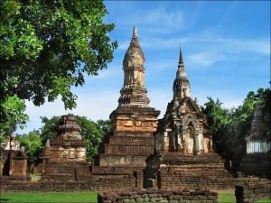 Ruines du Wat Chedi Chet Taeo