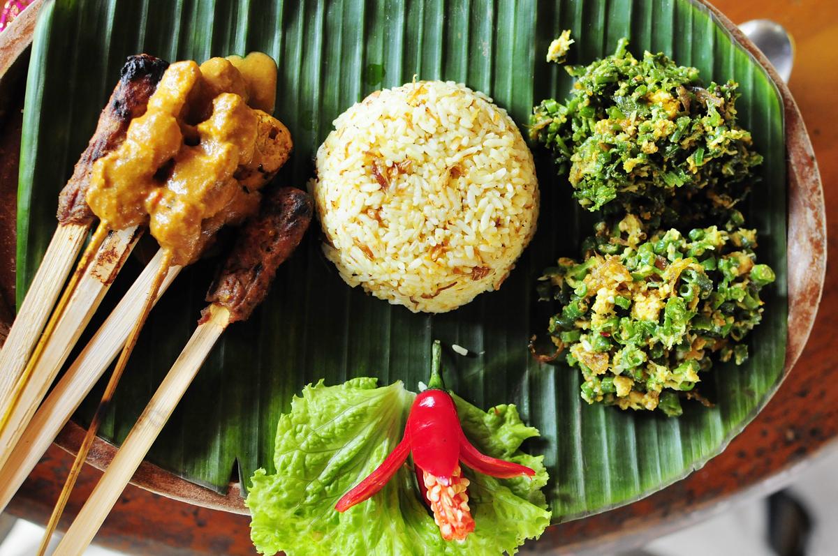 Cuisine tha e repas restaurants et fruits - Cuisine thailandaise traditionnelle ...