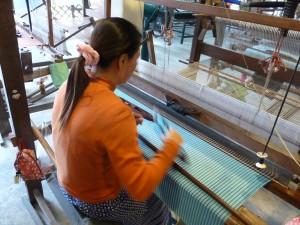 Visite d'une usine de soie