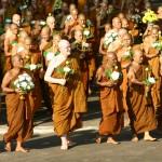 Moines bouddhistes du temple Wat Nong Pa Pong