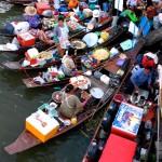 Marché flottant en Thailande