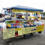 Vendeur ambulant à Thong Sala