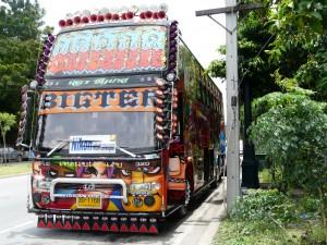 Bus de voyage thaïlandais