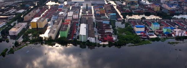Le centre de Bangkok échappe à une montée des eaux
