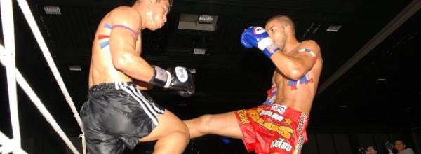 Combat de boxe thaï entre la France et la Thaïlande