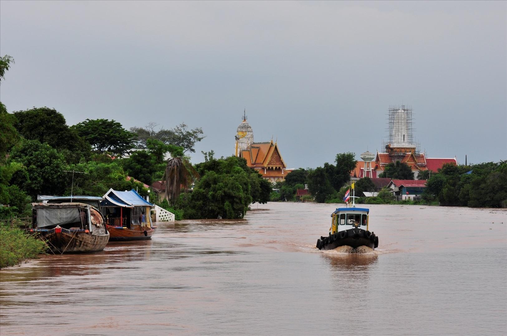 Profitez d'une croisière sur une barge à riz à Ayutthaya