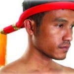 """Le bandeau frontal, appelé """"mong kon"""" en thaï"""