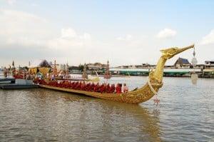 La barge Suphannahongsa