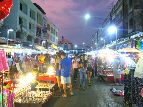 Krabi-Town-Walking-Street