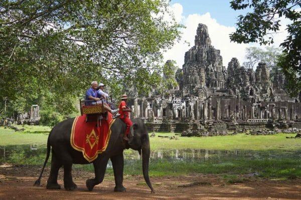 balade-elephants-angkor