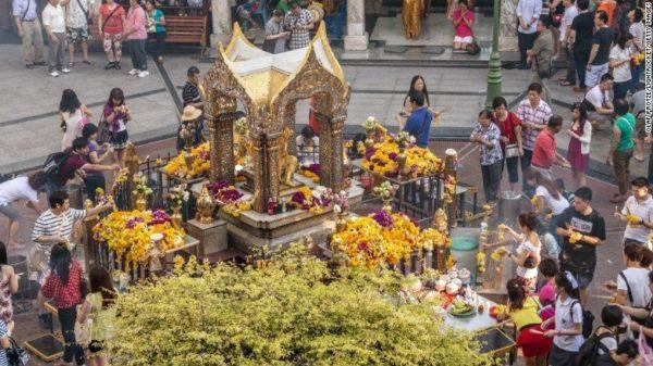 sanctuaire d'Erawan à Bangkok